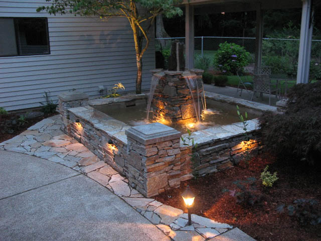Alcove Formal Fountain